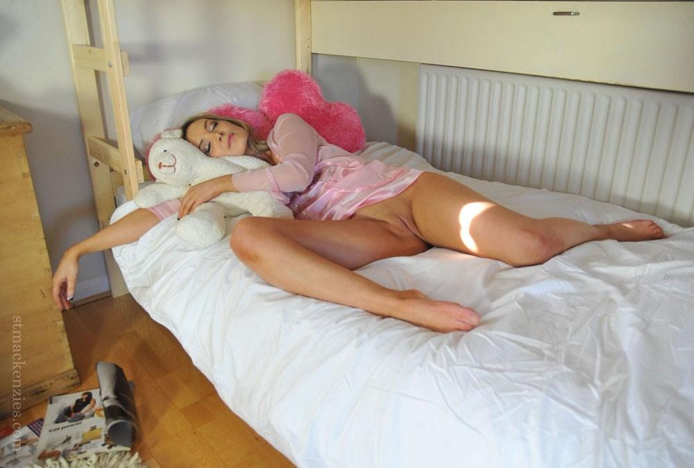 мое фото c женой в постели