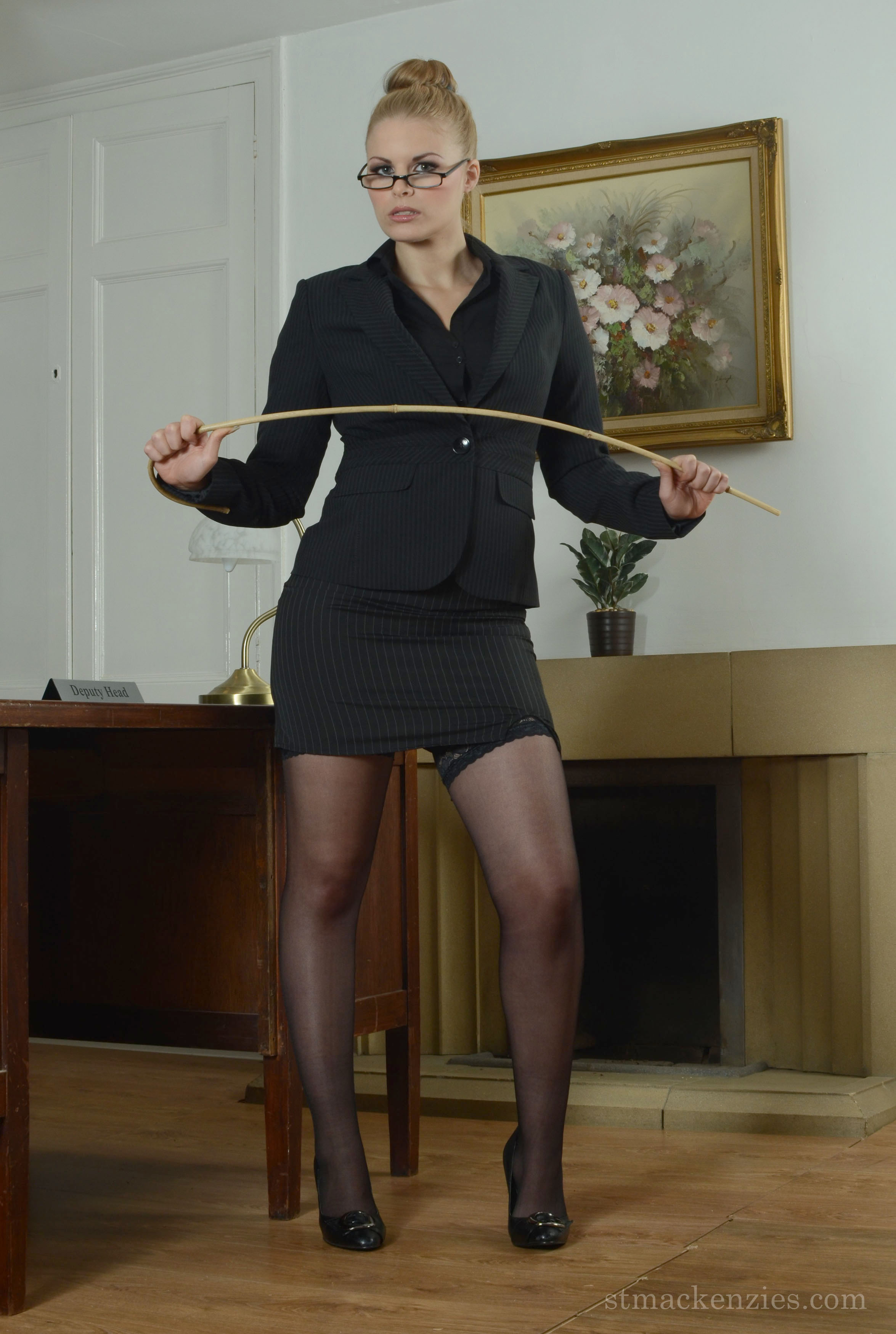 Strict Pantyhose Headmistress